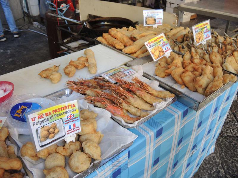02-Frittura-di-pesce_-mercato-Il-Capo-di-Palermo
