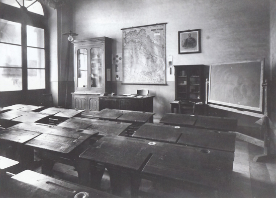 01-Giulianova-Teramo-scuola-elementare-aula-scolastica-marzo-1900