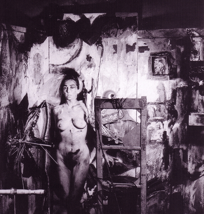 02 - Carolee Schneemann, Eye Body 36 Transformative Actions for Camera, 1963.