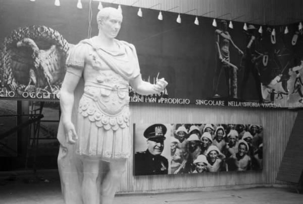 05_mostra-triennale-delle-terre-italiane-oltremare_1940_-padiglione-della-sanita-razza-e-cultura_mostra-della-razza_archivio-patellani