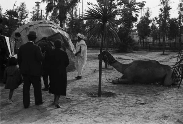 06_inaugurazione-della-triennale-delle-terre-oltremare_1940_ricostruzione-di-un-villaggio-africano_archivio-patellani