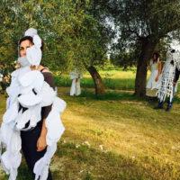 Wurmkos Véstimi #2 (2014-2015) performance Parco Agricolo dei Paduli San Cassiano Lecce. Foto di Mauro Panzeri